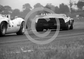 Paul Hawkins, Ford GT40, and Denny Hulme, Lola T70, Oulton Park, Tourist Trophy 1968.
