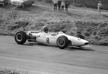 Graham Hill, John Coombs Brabham BT16, Oulton Park, Spring International 1965.