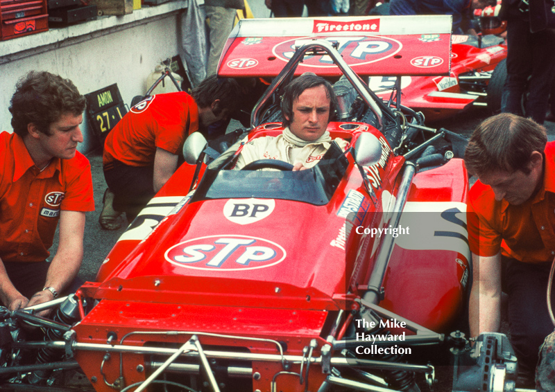 Chris Amon, STP March 701, in the pits at the 1970 British Grand Prix, Brands Hatch.