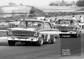Brian Muir, Malcolm Gartlan Ford Falcon, and Roy Pierpoint, WJ Shaw Ford Falcon, Thruxton Easter Monday meeting 1969.