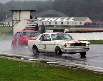 Jim Utting, Ford Mustang, leads Les Ely, Jaguar 3.8 Mk 2, St. Mary's Trophy, Goodwood Revival, 1999