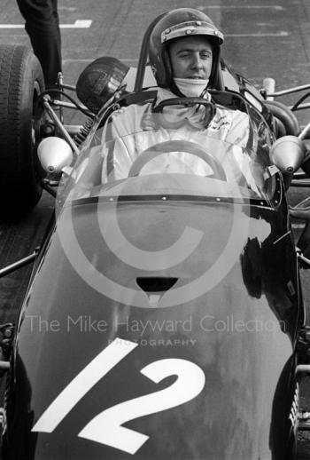 Piers Courage, Brabham BT23C, on the grid at the Thruxton Easter Monday F2 International, 1968.