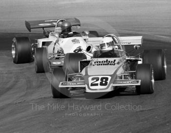 Carlos Reutemann, Motul Rondel Racing Brabham BT38-11, and Jean-Pierre Jabouille, Elf Coombs Racing March 722-4, Mallory Park, Formula 2, 1972.