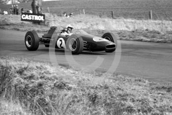 Denny Hulme, Brabham BT16 (chassis F2-10-65) Cosworth, Oulton Park, Spring International 1965.