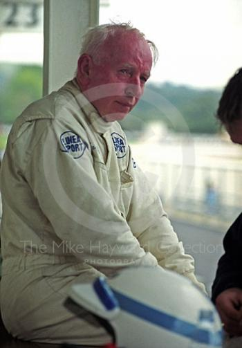 John Surtees takes a break on the pit counter while sharing a Ferrari 250GTO with Willie Green, RAC TT, Goodwood Revival, 1999