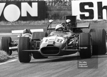 Mike Hailwood, Epstein Cuthbert Racing Lola T142, followed by Graham Hill, Lotus 59B, Oulton Park Gold Cup meeting 1969.