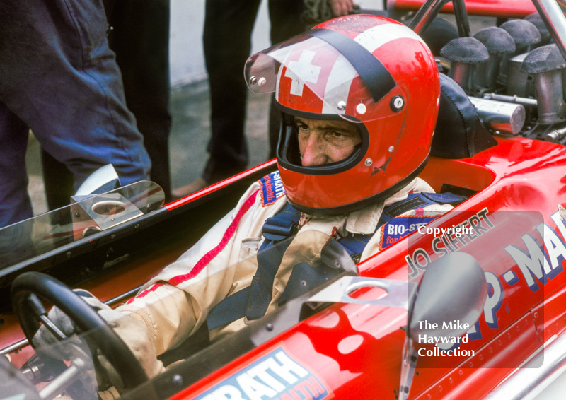 Jo Siffert on the grid, STP March 701 V8, 1970 British Grand Prix, Brands Hatch.