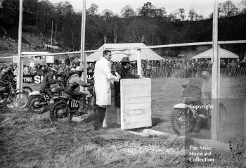 American singer Roy Orbison starts a race, 1966 ACU Championship meeting, Hawkstone