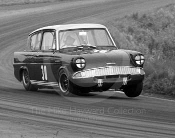 John Fitzpatrick, Broadspeed Ford Anglia, winning the up to 1000cc class, Oulton Park Gold Cup meeting, 1967.