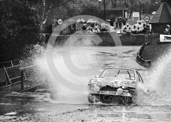 Tony Pond, Vauxhall Chevette, reg no KFL 306W, water splash, Sutton Park, RAC Rally 1982