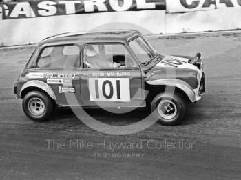 Geoff Wood, British Vita Racing Vita Mini, Hepolite Glacier Saloon Race, Mallory Park, 1971