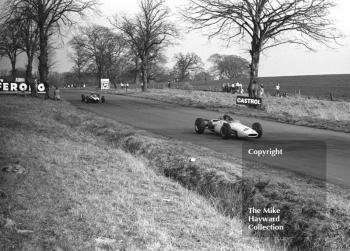 Graham Hill, John Coombs Brabham BT16 (F2-8-65) BRM, Oulton Park, Spring International 1965.