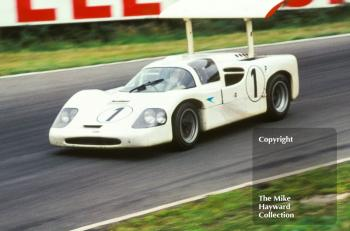 Phil Hill/Mike Spence, Chaparral 2F, Brands Hatch, BOAC 500, 1967.